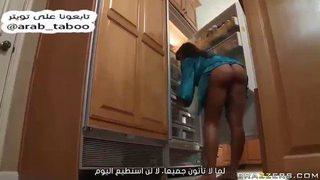 """مترجم عربي: """" الفحل يسوي مساج للام القحبة و ينيكها في كسها و خرقها ..."""