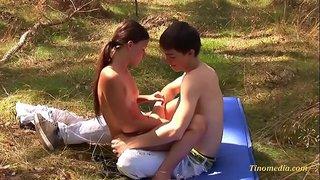 سكس ولد ينيك بنت صغيرة في الحديقة XXX الحرة أنبوب عربي